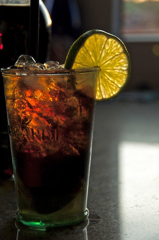 A cuba libre can be made with gold rum or dark rum