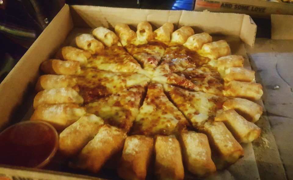 Pizza with cheesy bites