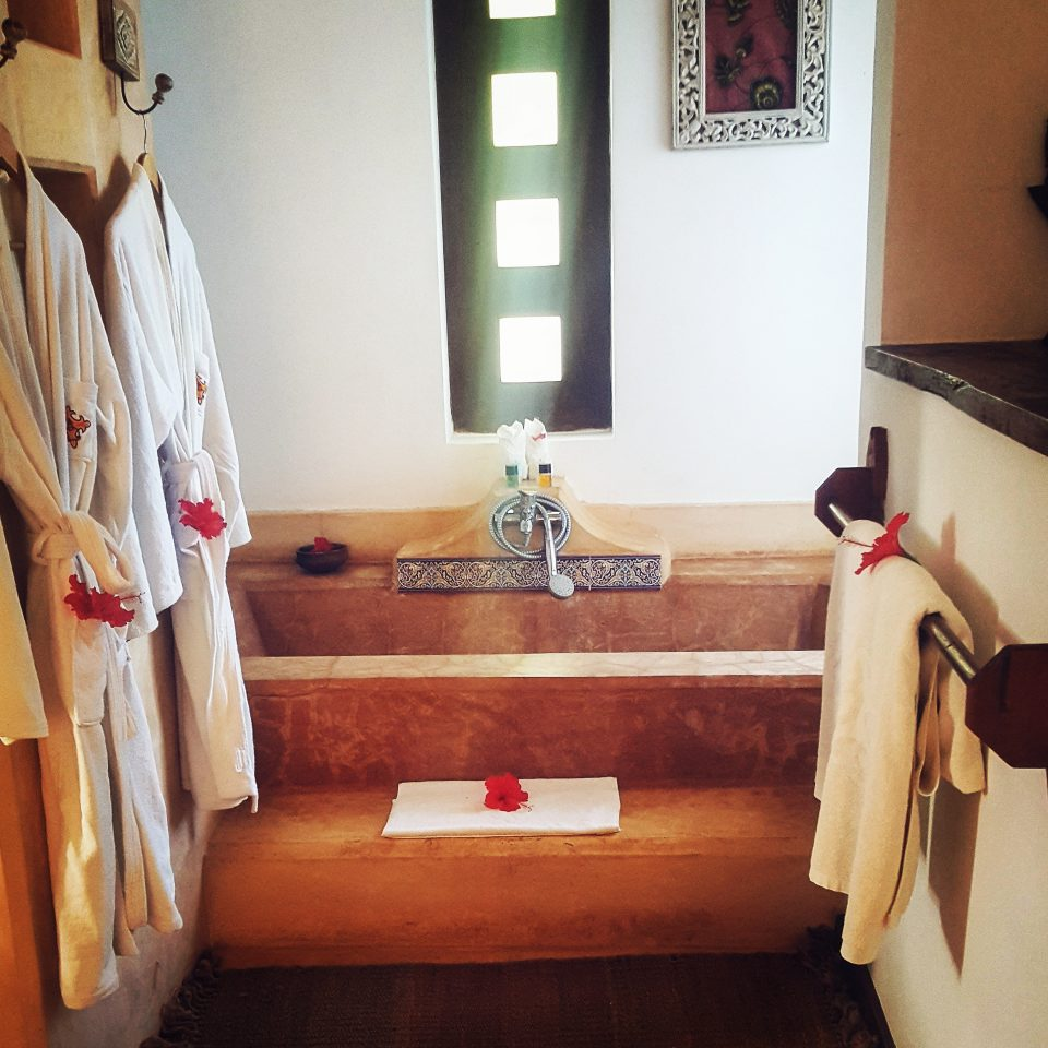 Bath robes and bath tub, Kasha Boutique Hotel, Matemwe, Zanzibar
