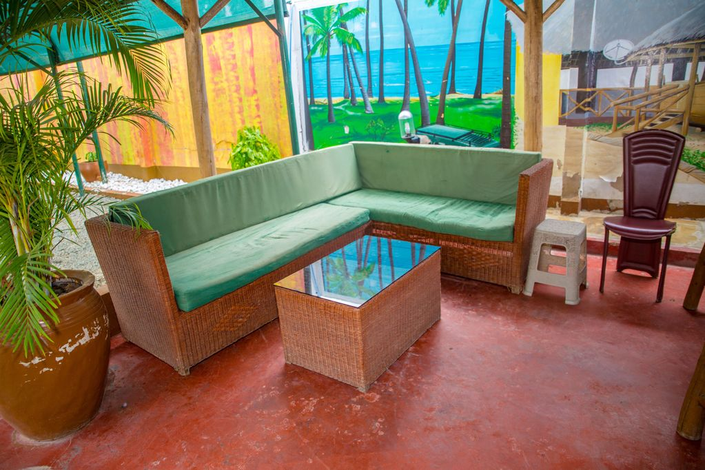 Hotels in Dar es Salaam: Outdoor bar at the Saadani Tourist Center